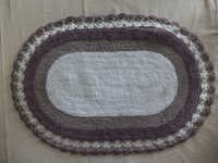Oval Design Bath Mat