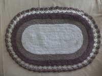 Oval Design Bath Mat