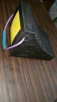 Heavy Duty Rubber Wheel Chocks