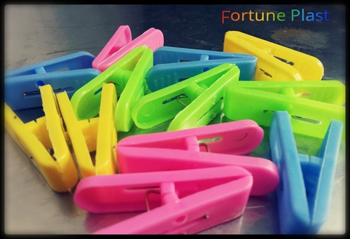 Plastic Clothes Clips