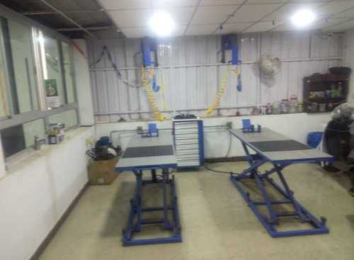 Two Wheeler Workshop Equipment