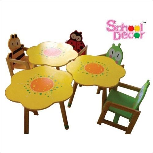 Poppy Table with 4 Tango Chairs