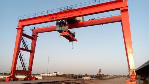 Rail Mounted Gantry Crane (RMGC)