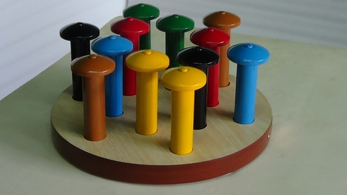 MUSHROOM BOARD (10 Pegs & 10 Tops)