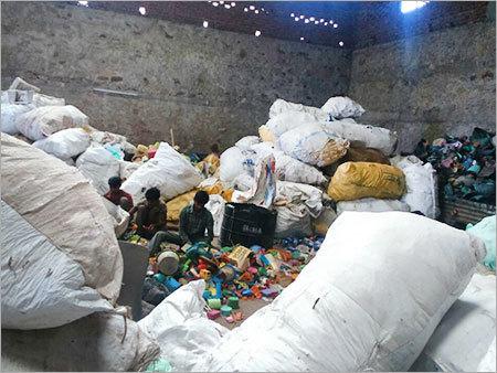 Raw Plastic Scrap