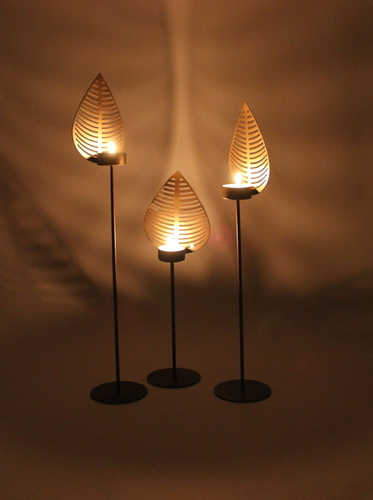Pipal Leaf Candle Stand
