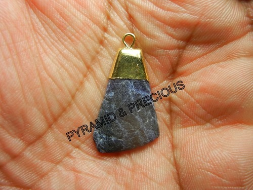 CRACK SODALITE ELECTROPLATED PENDANT