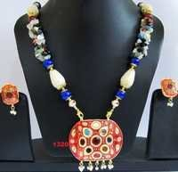 Costume Jewelry Heavy Indian Pendant Necklace Set