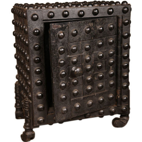Iron_Industrial_Furniture_Shriman_Exports