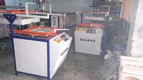Vacuume forming machine