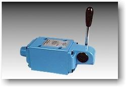 Polyhydron Lever Operated Directional Control Valve