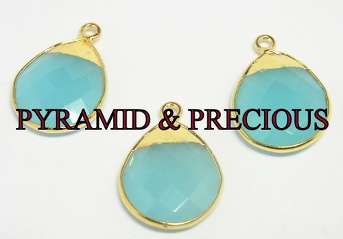 BLUE CHALCEDONY ELECTROPLATED PENDANT