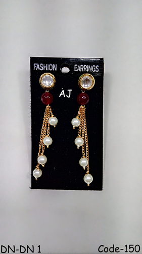Studded Diamond Pearl Earings