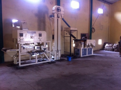 Maize Cleaning and Grading Machine