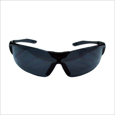 Metallic Black Temple & Dark Grey Rubber Pad Anti Fog Smoke Lens with Nose Pad