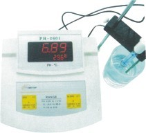 pH/Temp Bench Type Meter