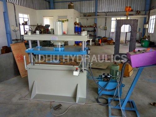 Four Pillar Hydraulic Press