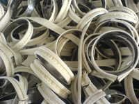 Snap band for filter bags