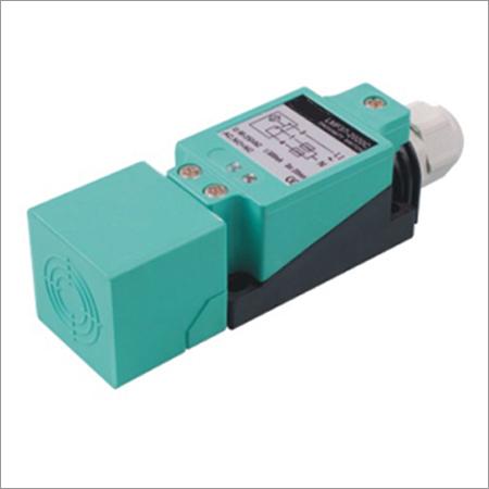 Angular Column Type Capacitive Proximity Sensor