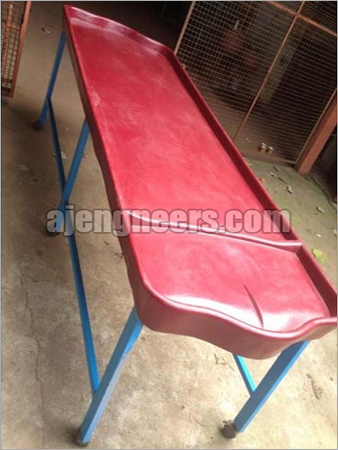 Dhroni Massage Table