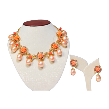 Necklace Set In Diamonds And Italian Pieces And Pearls