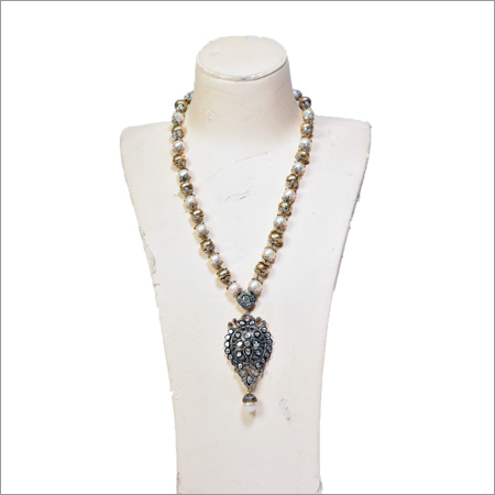 Beads of South Sea Pearls And Diamonds