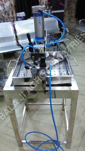 Stainless Steel Pneumatic Paneer Press