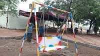 Playground Swing Manufacturers