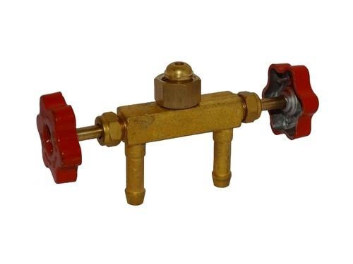 Brass Double Nozzle Valve