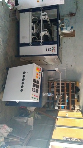 Automatic vacuume PP Forming Machine