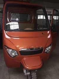Fibre Body Battery E-Rickshaw