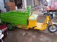 I-CAT Approved Battery E-Rickshaw Loader