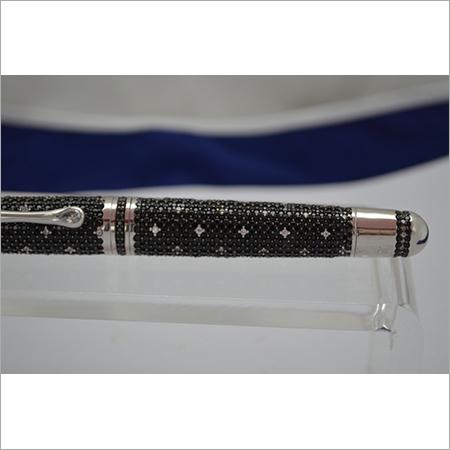 Diamond Studded Pen Fountain