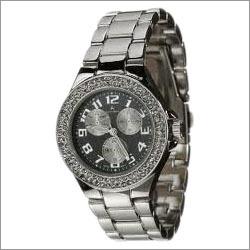 Studed Women Wrist Watch