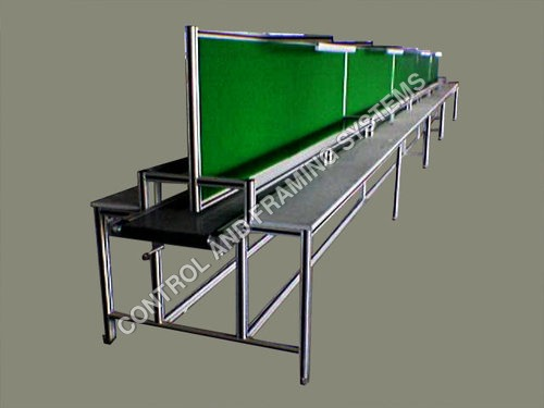 Belt Conveyor With Workstation