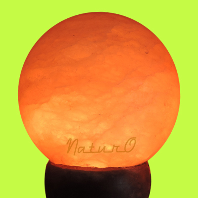 Naturo Rocksalt Globe Lamp