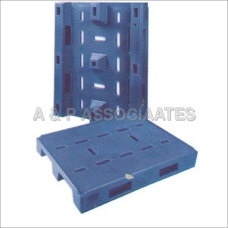 Rotomolded Plastic Pallet