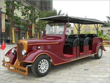 Vintage Car Of Bentley With 8 Seats