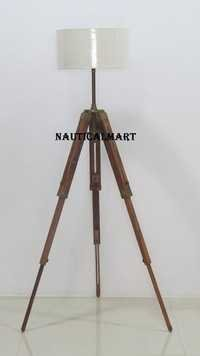 Classic Tripod Floor Lamp With Wooden Stand