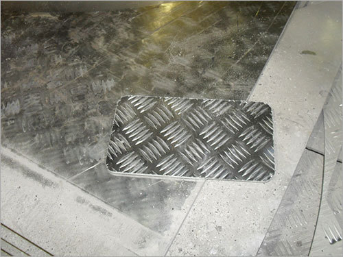 Aluminium Chequered Plate Cutting