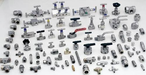 Stainless steel swage locks