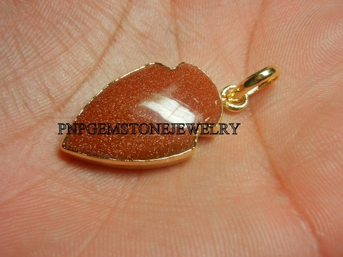 GOLD SANDSTONE ELECTROPLATED CABOCHON  ARROWHEAD PENDANT