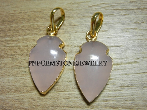 GOLD ELECTROPLATED ROSE QUARTZ ARROWHEAD PENDANT