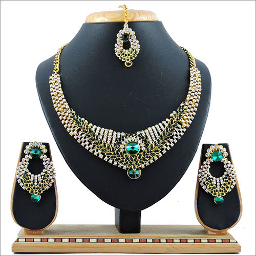 Green Alloy Necklace Set