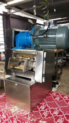Table Top Sugarcane Crusher Machine