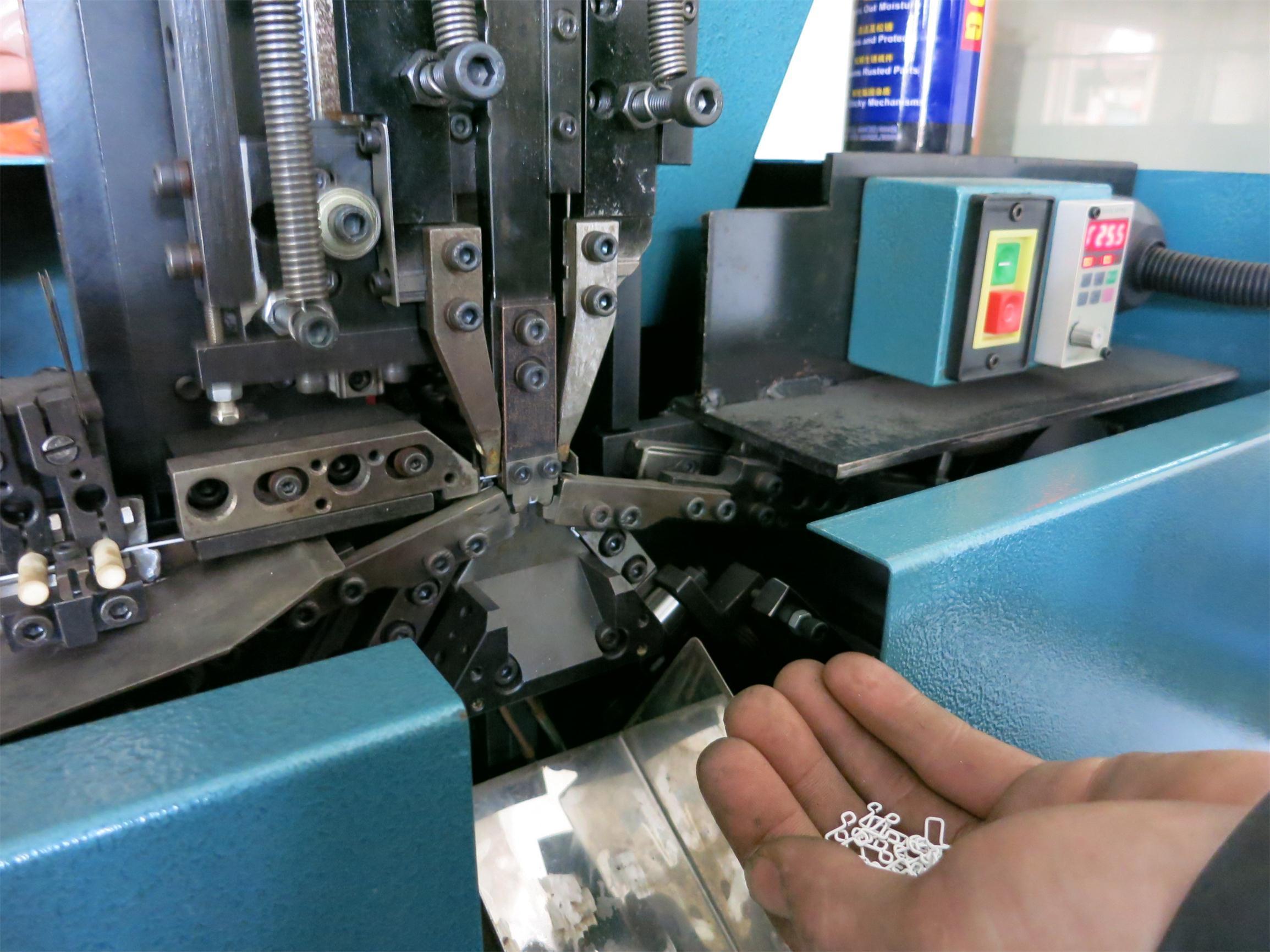 Metal Hook And Eye Forming Machine