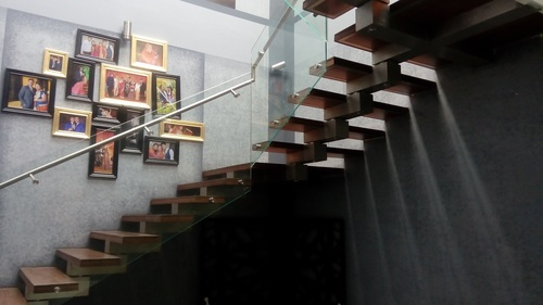 SS STAIRCASE GLASS RAILING-01