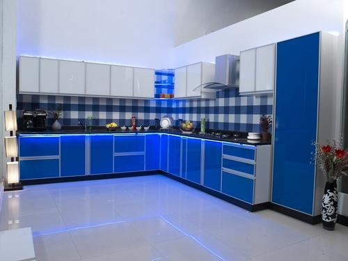 Glass Modular Kitchen