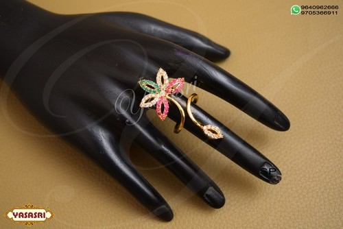 Flower Design Finger Ring