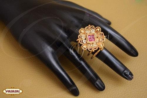 Traditional Design Finger Ring